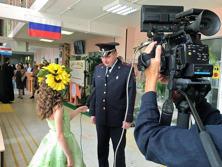 """Кадр из интервью студии """"Радужка"""" с полицейским"""