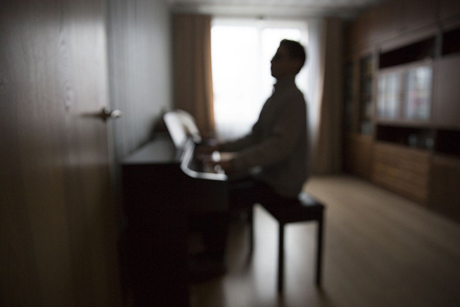Фото. Незрячий музыкант, преподаватель Александр Евдокимов
